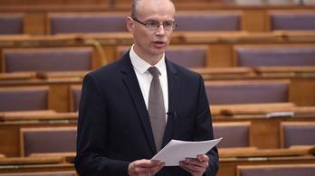 Kilencszázalékos lehet a költségvetési hiány, eddig 2261 milliárd forint mínuszban van a büdzsé