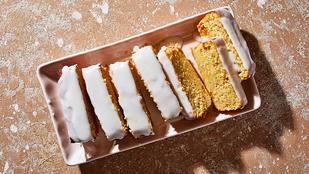 Egyszerű, mindent bele joghurtos süti – gyümölcsökkel és egyszerű változatban is finom