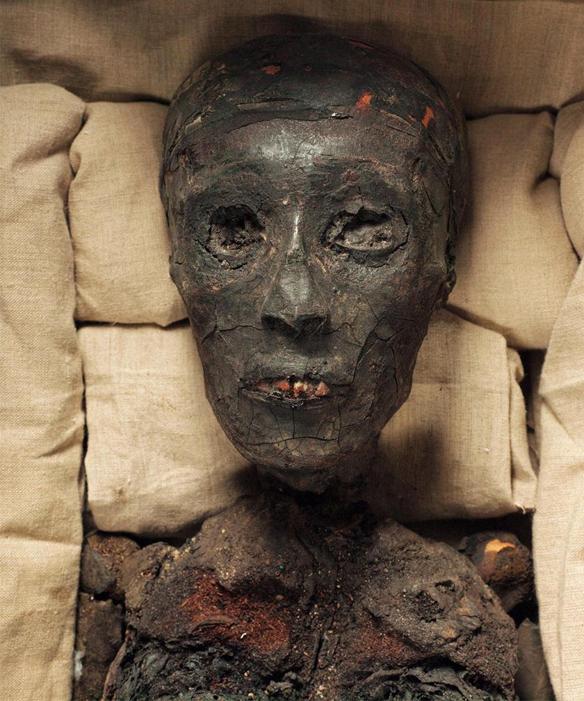 Tutanhamon múmiája.
