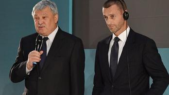 Ötszáz Szuperkupa-jegyet osztott szét az UEFA a magyar egészségügyisek között