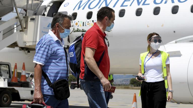 Montenegró kemény korlátozásokon gondolkodik a koronavírus miatt