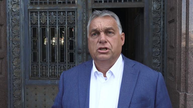 Orbán Viktor: Október 1-től kötelezővé teszik a lázmérést az iskolákban