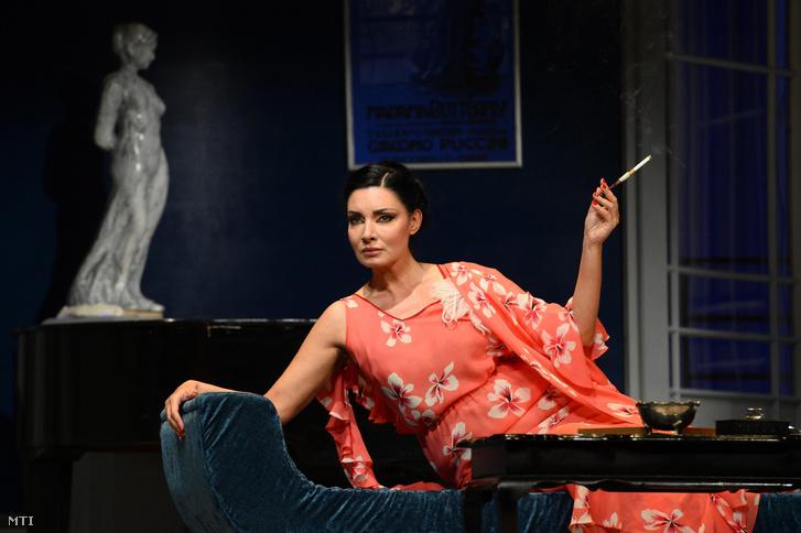 Gregor Bernadett Cecile szerepében Herczeg Ferenc Kék róka című regényéből készült színmű próbáján a budapesti Újszínházban 2019. október 9-én.