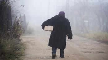 Háborognak a nyugdíjasok a késői és kevés visszamenőleges emelés miatt