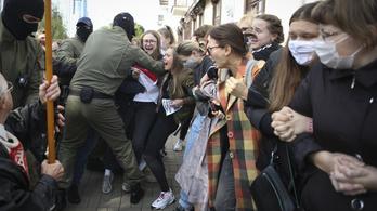 Több demonstráción tüntetők tucatjait vették őrizetbe Minszkben