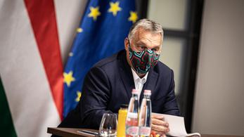 Segítsen Orbánnak maszkot választani!