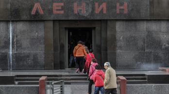 A mauzóleum marad, Lenin megy