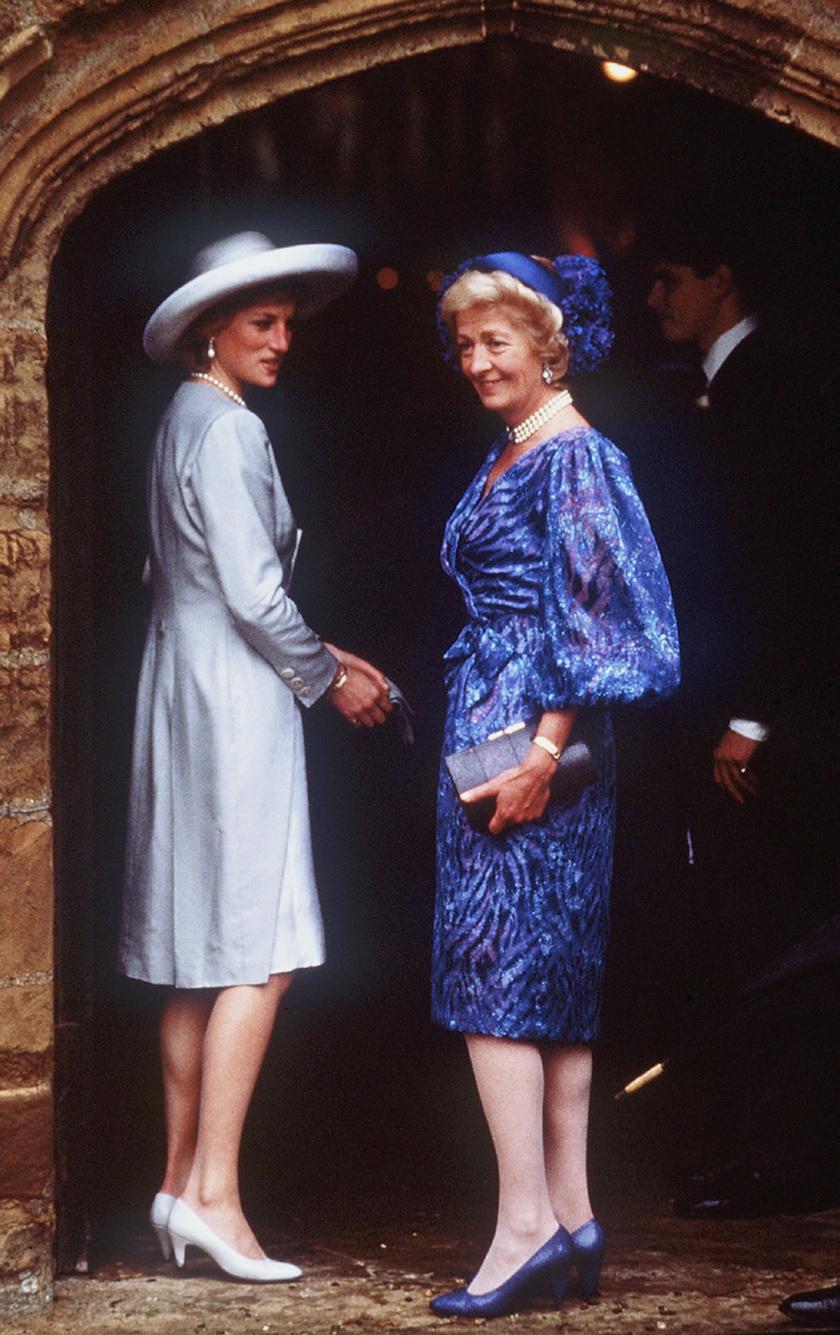 Diana édesanyjával, Francesszel.