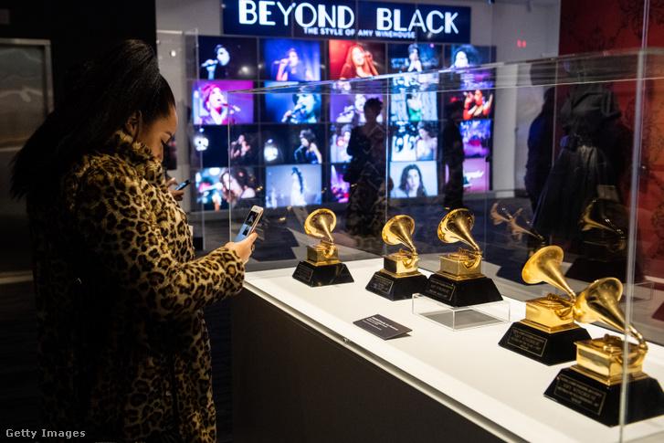 A 6 Grammy-díj