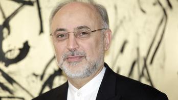 Irán nem tesz le az urándúsításról