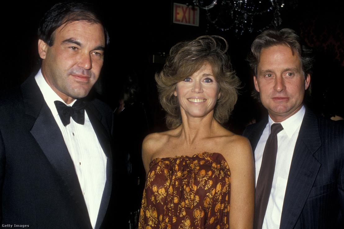 Oliver Stone, Jane Fonda és Michael Douglas az ACLU Honors Gálán 1987. szeptember 17-én
