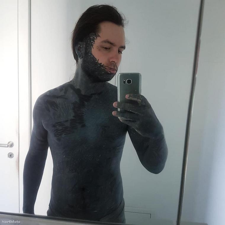 Szóval egyelőre úgy tűnik, hogy bár már nem sok hely van Yannick Rick testén, a tetoválásai tovább fognak szaporodni.