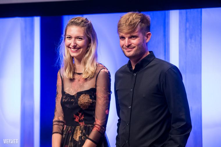A Televíziós Újságírók Díján az X-Faktort választották a 2019-es év legjobb show-műsorának. A díjat Dallos Bogi és Puskás Péter, a tehetségkutató két mentora vette át.