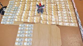 Majdnem három milliót rejtett Dumbó, a kazincbarcikai rablók plüsselefántja