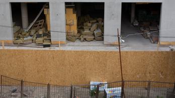 Még nem kászálódott ki a gödörből az építőipar