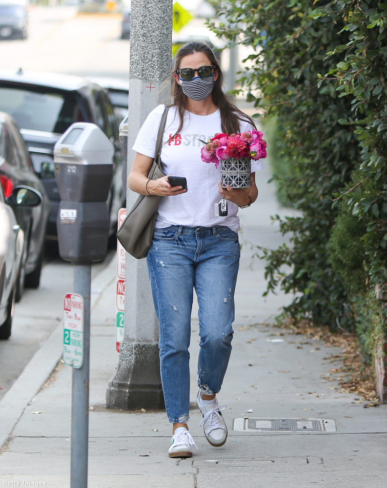 Jennifer Garnerről nemrég kiderült, hogy Bradley Cooperrel kavar