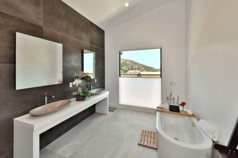 Ami a fürdőszobákat illeti, azokat is megéri megnézni