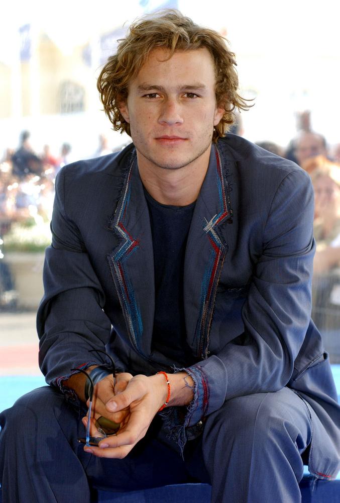 Heath Ledger a 2006-os MTV Movie Awardson megnyerte a legjobb csóknak járó díjat, amiért olyan szenvedélyesen találtak egymásra Jake Gyllenhaallal a Túl a barátságon c