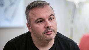 Dombóvári István visszaköltözött a szülőfalujába, és a művelődési ház vezetője lett