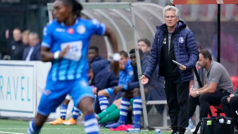 Fellázadt játékosai három meccs után megbuktatták Bölöni Lászlót