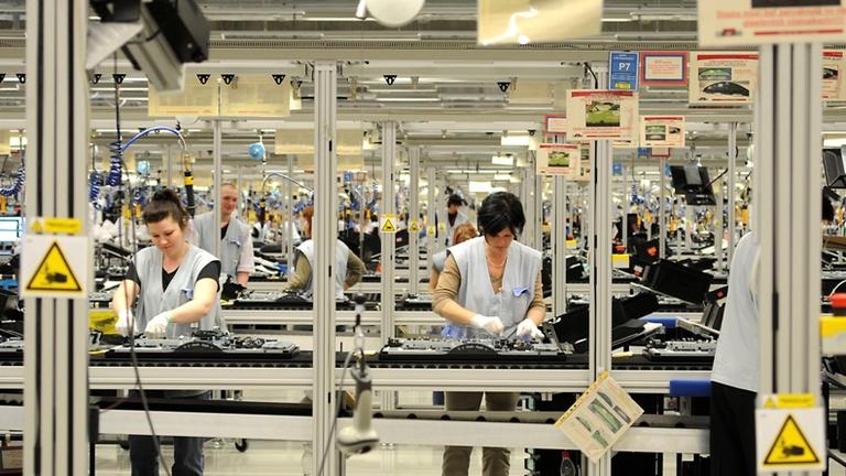Szlovákia állandóvá tenné a nálunk megszüntetett munkahelyvédelmi bértámogatást