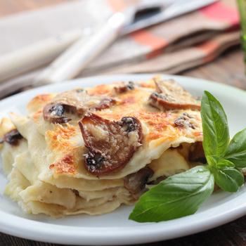 Szaftos, sajtos, gombás lasagne: a rakott tészta hús nélkül is nagyon laktató