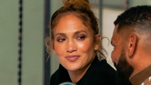 Jennifer Lopez az ismert univerzum legszűkebb leggingsében ment ebédelni