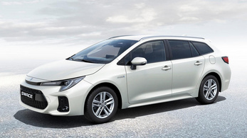 A Toyota Corollából is Suzuki lett