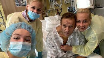 Először posztolt rosszulléte óta Navalnij