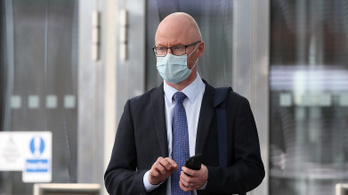 Karanténba vonul az ír kormány, mert megbetegedett az egészségügyi miniszter
