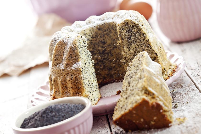 Puha és illatos mákos-citromos kuglóf: csak össze kell keverni, a többi a sütő dolga