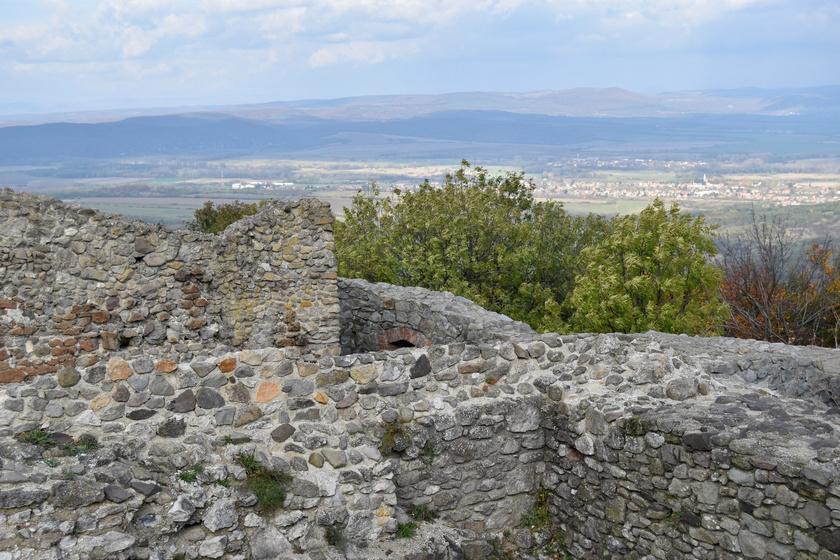 Kilátás Drégely várából