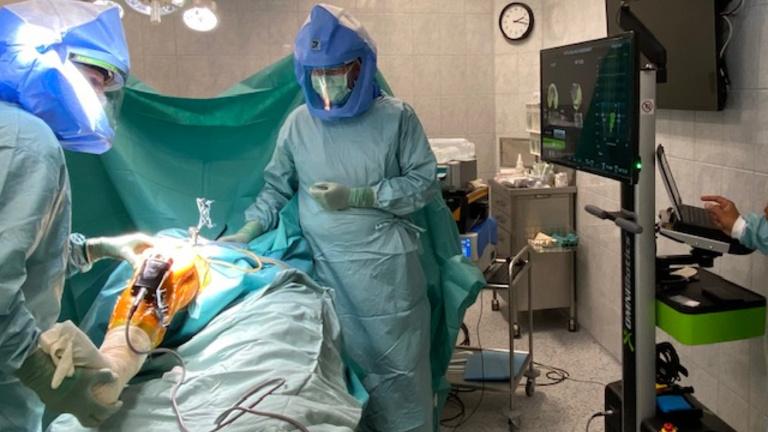 Már a térdműtétnél is robotok asszisztálnak Budapesten