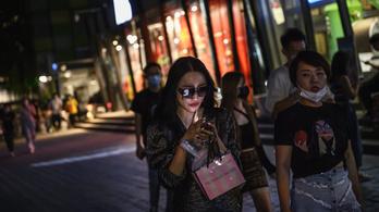 Háromszáz új modellt dobtak piacra idén a kínai mobilgyártók