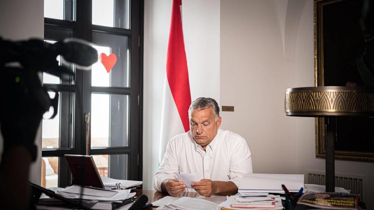 Orbán Viktor: 23 órakor be kell zárni a szórakozóhelyeket!