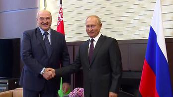 Lukasenko fegyvereket kért Putyintól
