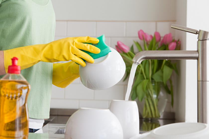 Meddig szabad használni a mosogatószivacsot? Ennyi idő után cserélni kell a takarítóeszközöket