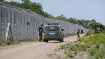 Naponta 100–150 határsértő próbál bejutni az országba