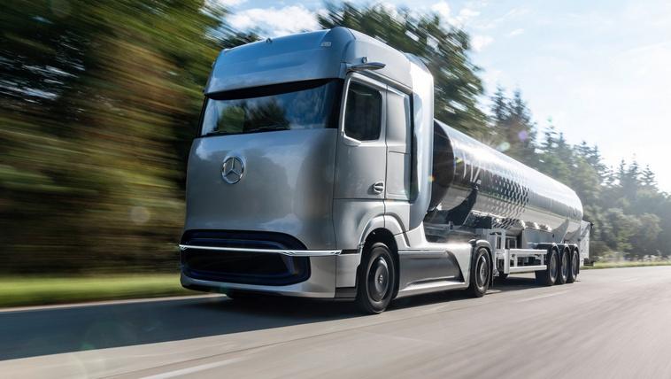 Áramvonalas jövő-kamiont mutatott a Mercedes