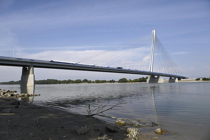 Az új komáromi Duna-híd, vagyis a Monostori híd az avatás napján, 2020. szeptember 17-én.