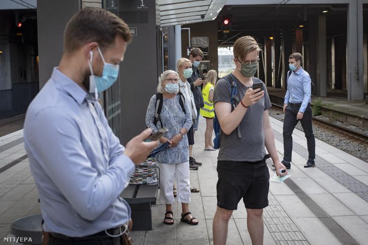 Budapesten mától bírságolnak a maszkviselés hiánya miatt