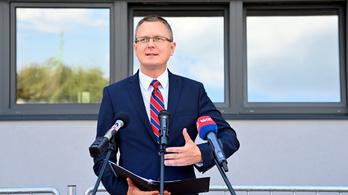 Rétvári: Több mint 200 új anyaggal bővült a tiltott dizájnerdrogok listája