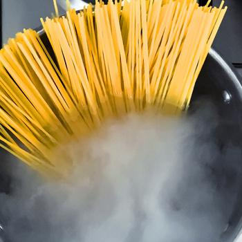 Óriási tévhit, hogy olaj kell a tészta vizébe – Az olaszok így főzik tökéletesre