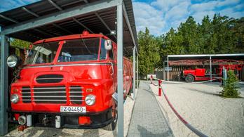 Kiállítják az utolsó megmaradt magyar gyártású jobbkormányos tűzoltóautót