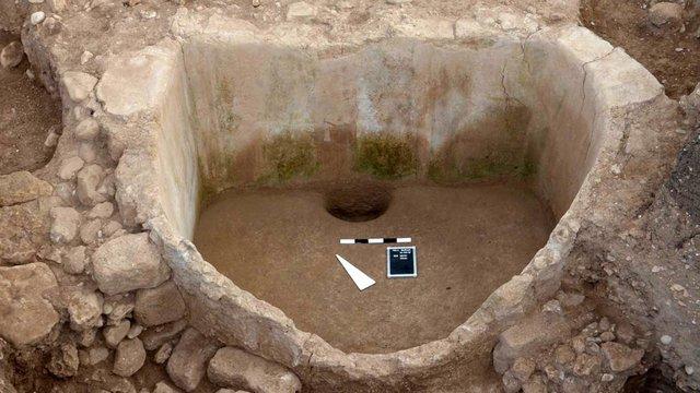 Vaskori szőlőprés került elő egy libanoni ásatáson