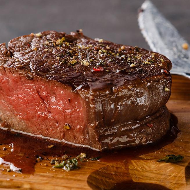 Valójában sosem véres a steak – Mi az a pirosas lé, ami kifolyik belőle?