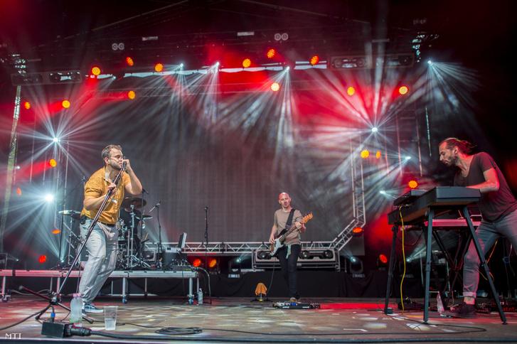 Az Elefánt zenekar koncertje a Fishing On Orfû fesztivál harmadik napján 2019. június 21-én