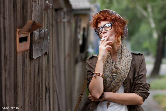 stockfresh 2022527 hipster-girl-smoking-cigarette sizeM