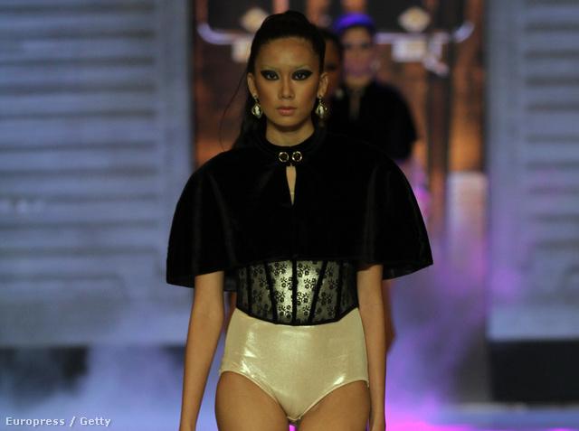 Manila divathete - a tervező a Parisian