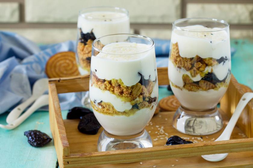 Krémes, selymes szilvás-mascarponés desszert: sütés nélkül, villámgyorsan